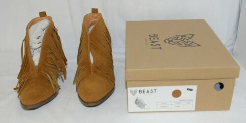 Beast Fashion Carrie 01 Camel Fringe Slip On Shoes Size Seven