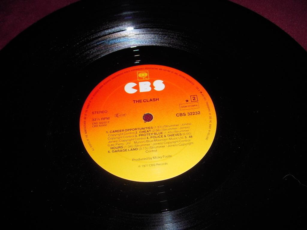 The CLASH 1977 Self Titled 1st lp Holland Import Bonus Trxs
