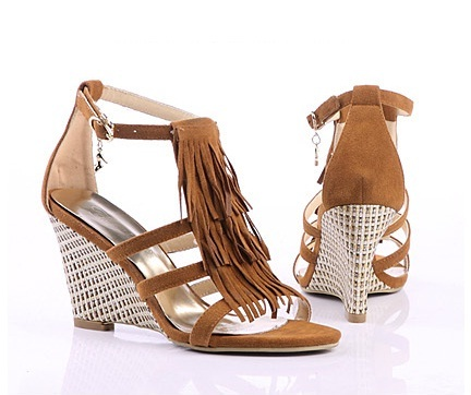 "NWT 2011 Women's Wedge Sandals 3.3"" HEEL CAERPHILLY/Tan Size US4.5-7"