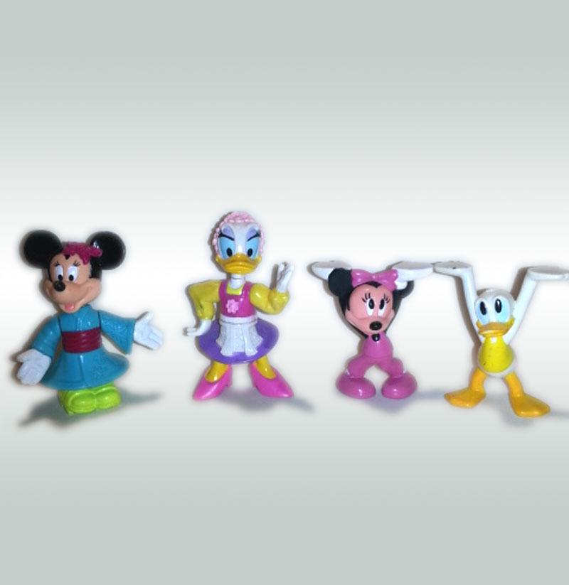 Walt Disney Set of (4) Epcot 1993 Plastic Figures * Minnie DONALD Daisy Duck