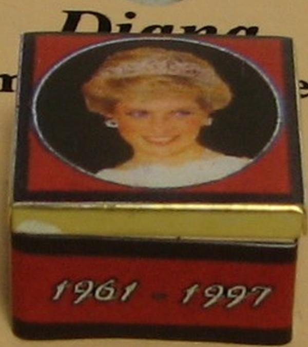 DOLLHOUSE Blank Photo Album 5021AL Jacqueline/'s white Miniature