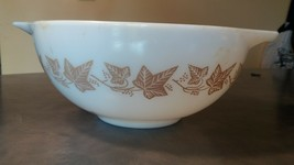 Pyrex Bowl 2 1/2 QT 443 Sandalwood Nesting Cinderella Made in USA - $14.00