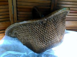 Vintage Chinese Willow Market Basket w/ Wooden Handle image 4