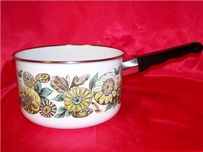 VINTAGE GREEN FLOWERED ENAMEL SAUCEPAN MAKER???????