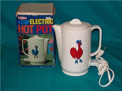 Vintage 1970 Nevco 4 Cup Electric Pot Rooster Design