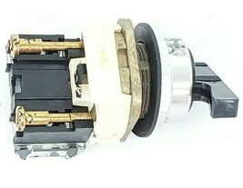 ALLEN BRADLEY 800T-H2 SELECTOR SWITCH W/ 800T-XA SER. D CONTACTOR image 2
