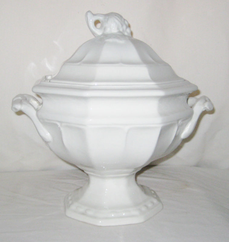 Red cliff ironstone 2.5 qt soup tureen with lid grape design octagon marked 5