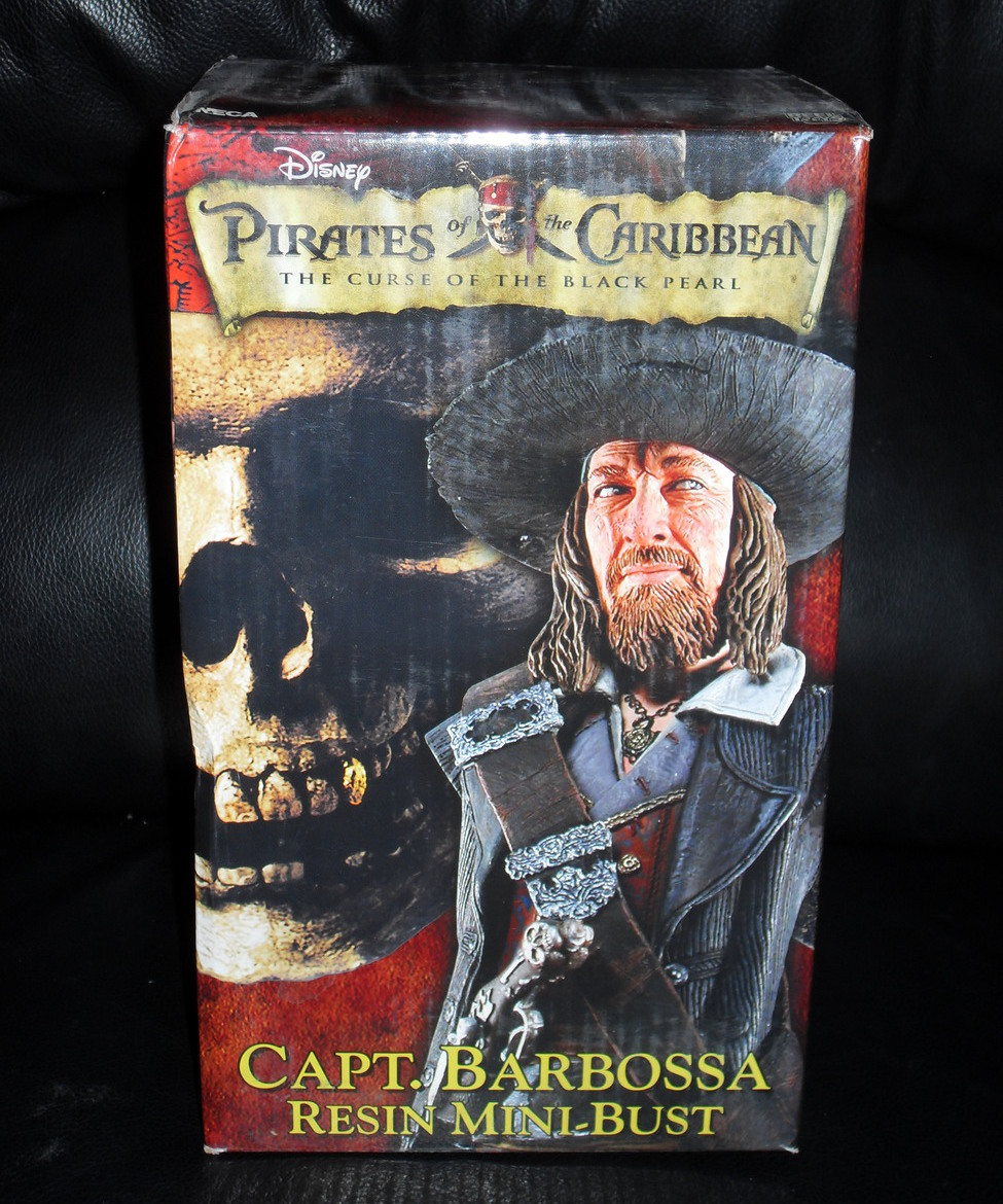 Disney Pirates Of The Caribbean Barbossa Statue New In Box