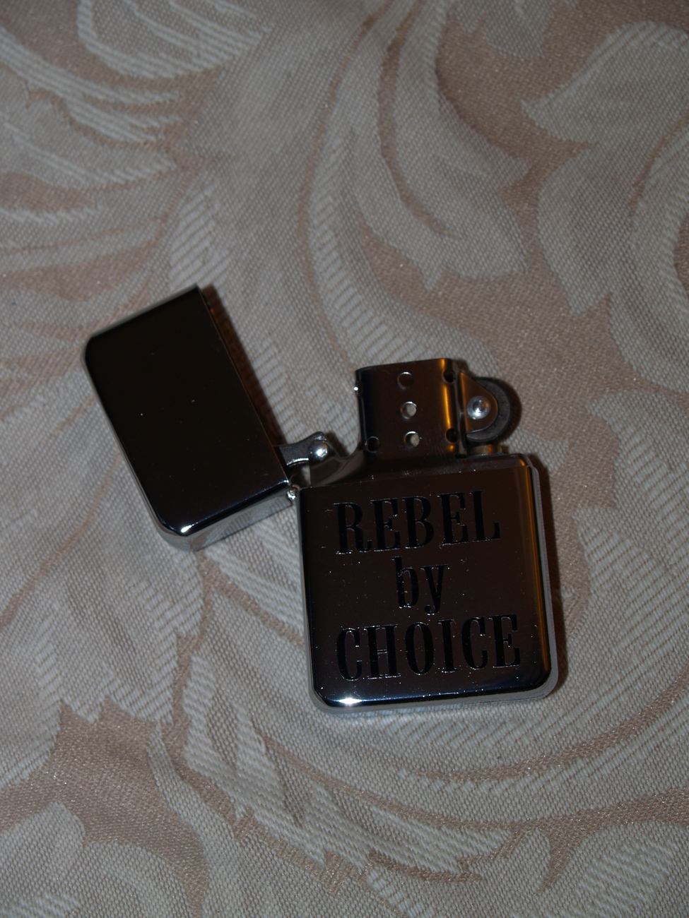 STAINLESS STEEL CIGARETTE LIGHTER