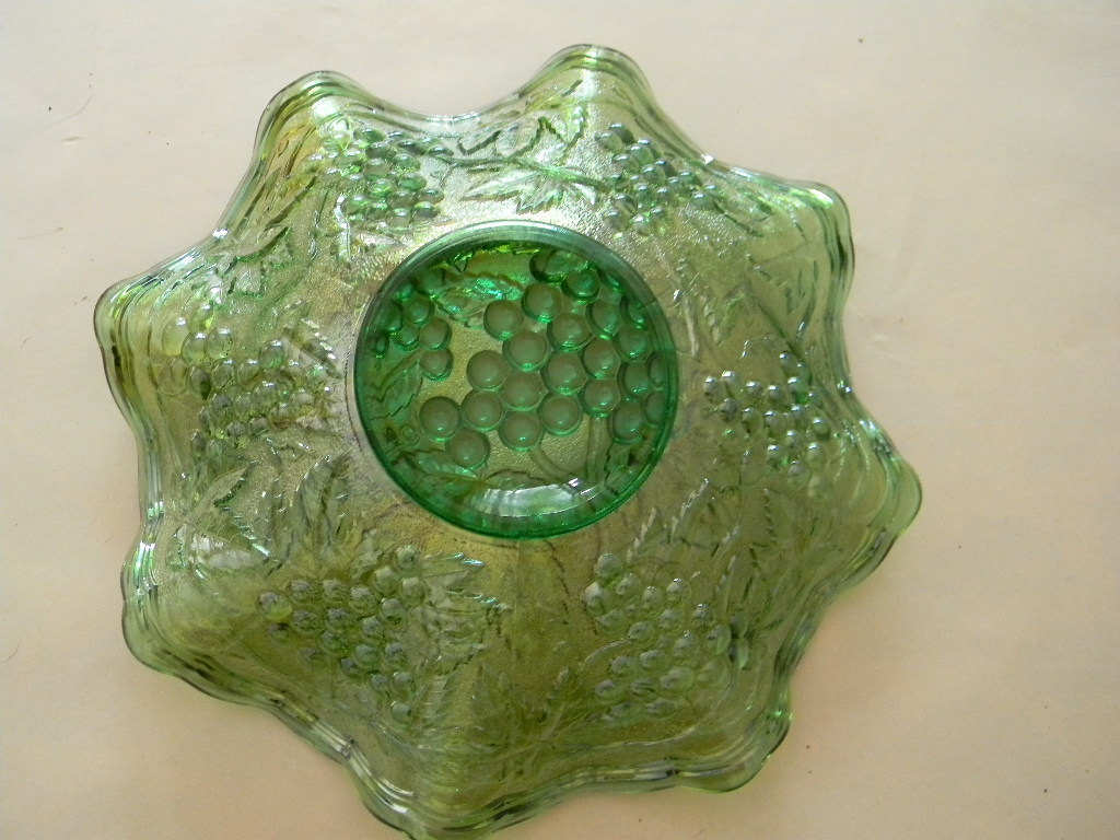 "Vintage 8 1/2"" Green Fluted Carnival Glass Bowl  ...  Unusual Color"