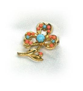 Dainty Vintage Turquoise & Coral Glass Shamrock Pin!