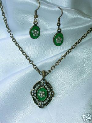 Green Enamel and Faux Pearl Demi Parure Necklace & Ears