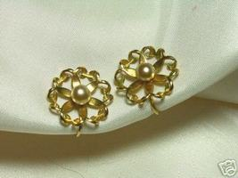 Vintage Simulated Pearl and Goldtone Flower Earrings - $7.00