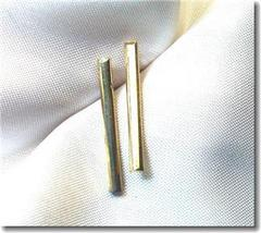 Vintage Goldtone Straight Bar Pierced Earrings - $9.00