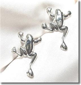 Silvertone Tree Frog Post Pierced Earrings