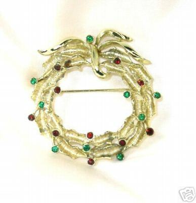 Primary image for Rhinestone Studded Goldtone Christmas Wreath Brooch