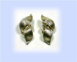 "Vintage Lisner ""Flame"" Light Goldtone Clip Earrings - $19.00"