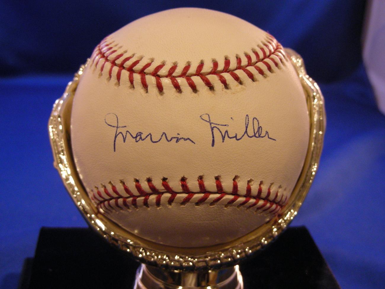 MARVIN MILLER HOF'ER EXECUTIVE DIRECTOR OF MLB SIGNED AUTO BASEBALL PSA/DNA