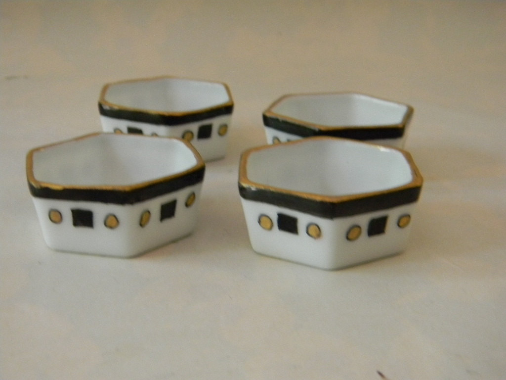 Vintage Porcelain 4 Open Salts and 4 Shakers