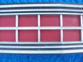 1973 MARQUIS 2 DOOR BROUGHAM CENTER TAILLIGHT REFLECTOR TRIM PANEL OEM USED ORIG image 5