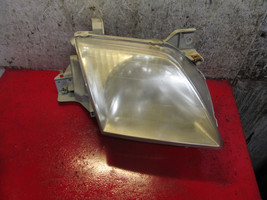01 00 Mazda MPV oem passenger side right headlight assembly - $29.69