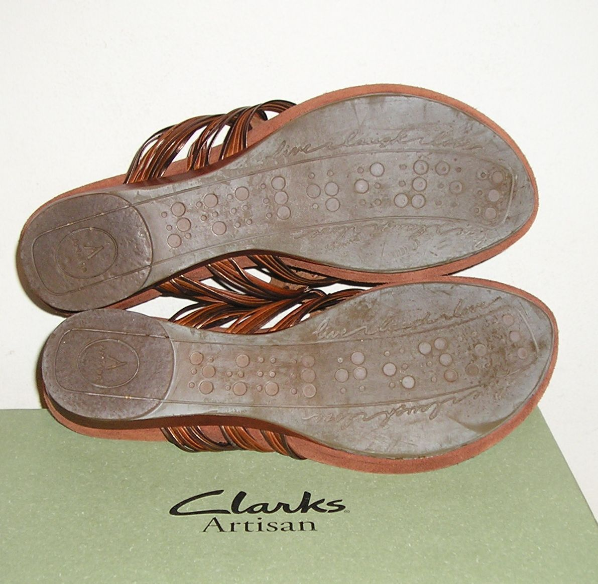 Clarks Artisan Womens Brown Leather Thongs Sandals Shoes -4761