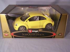 Volkswagen New Beetle 1998 1:18 scale diecast Burago Bburago Gold Collection - $36.31