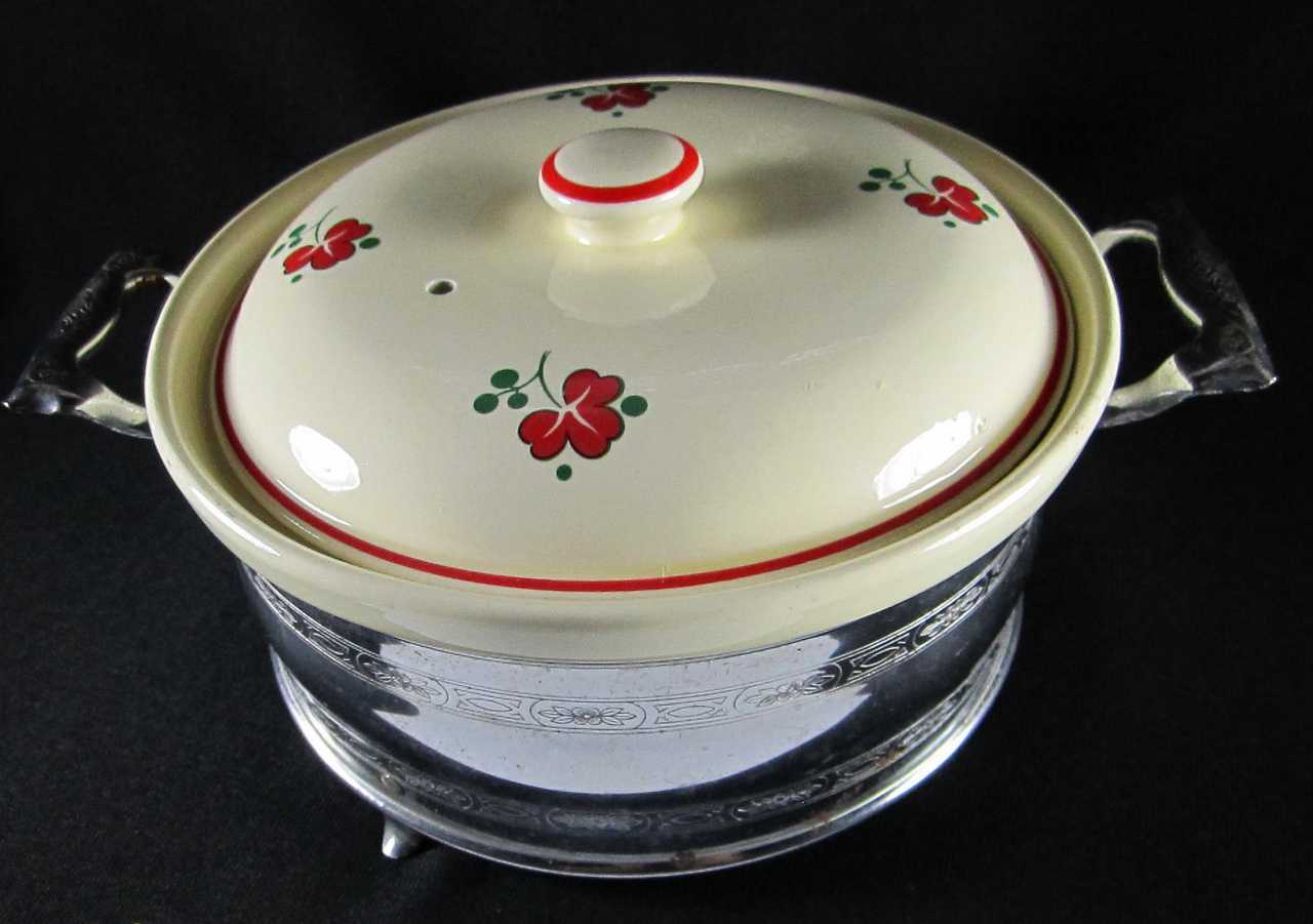Homer Laughlin Royal OvenServe Red Shamrock Casserole Oven Serve Vintage 1930's