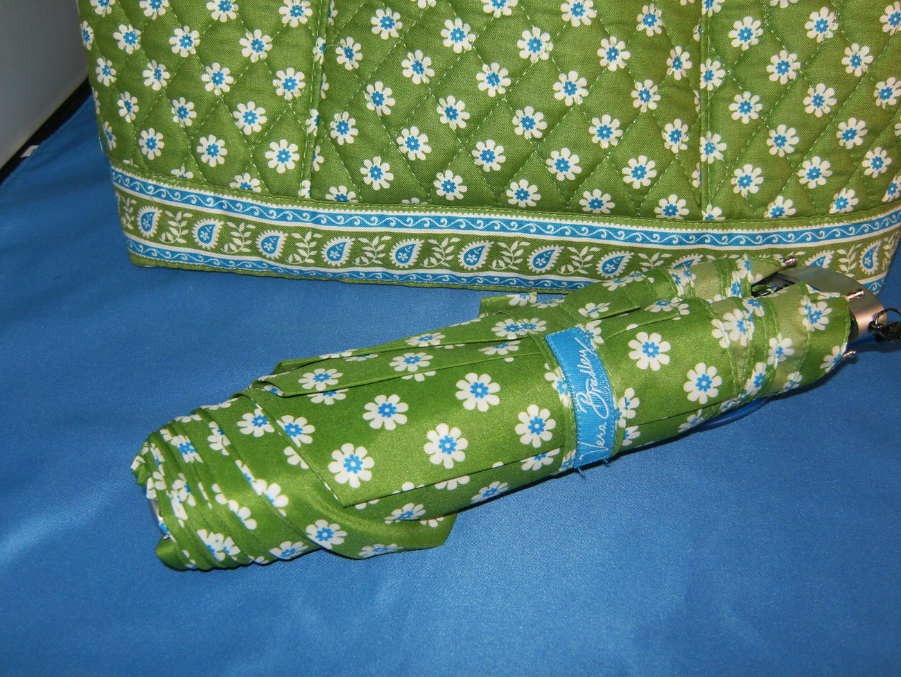 Vera Bradley Green Apple Purse and Matching Umbrella