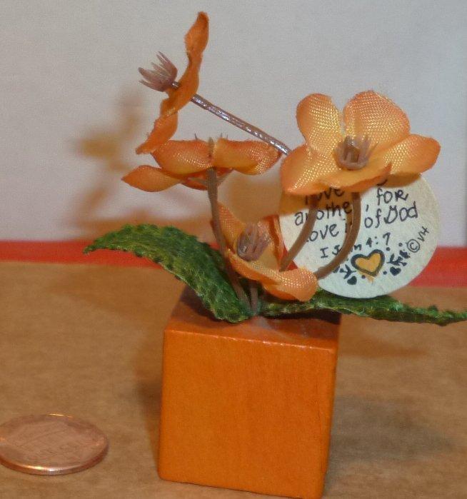 Doll House DOLLHOUSE mini artificial plant in block planter