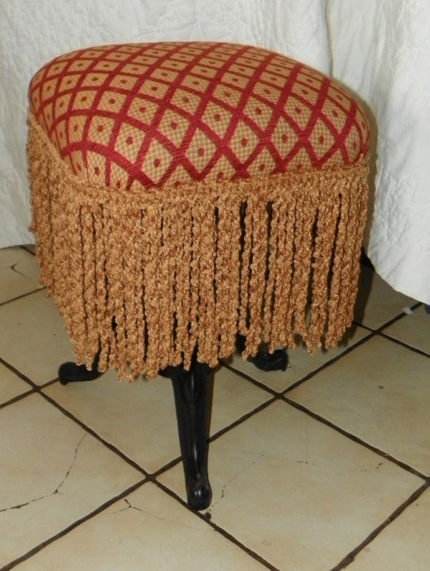 Burgundy Gold Diamond Print Piano Stool Organ Stool