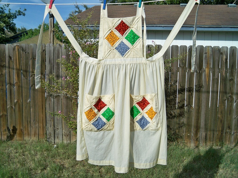 Vintage cathedral windows quilt bib apron1