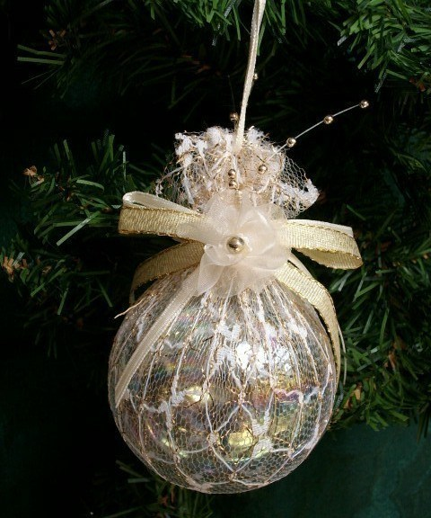 Victorian Style LACE GLASS BALL Ornament - Beautiful Piece!