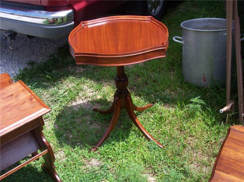 Primary image for Mahogany Lamp Table/Side Table