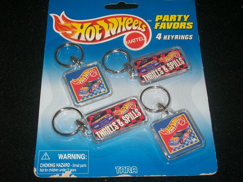 HOT WHEELS PARTY FAVORS 4 KEYRINGS