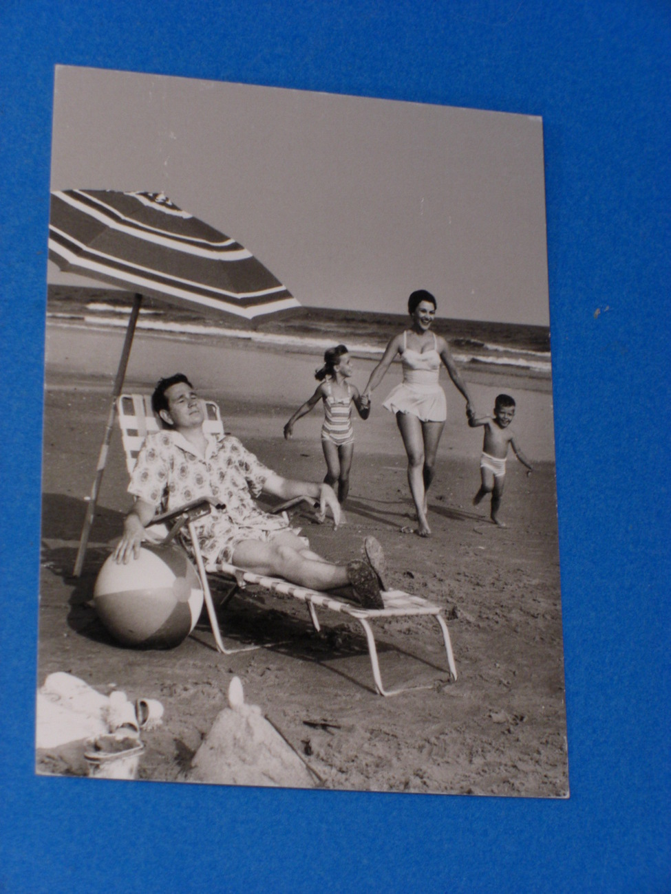 "Nouvelles Images Postcard ""HAPPINESS 1955"" by Lambert"