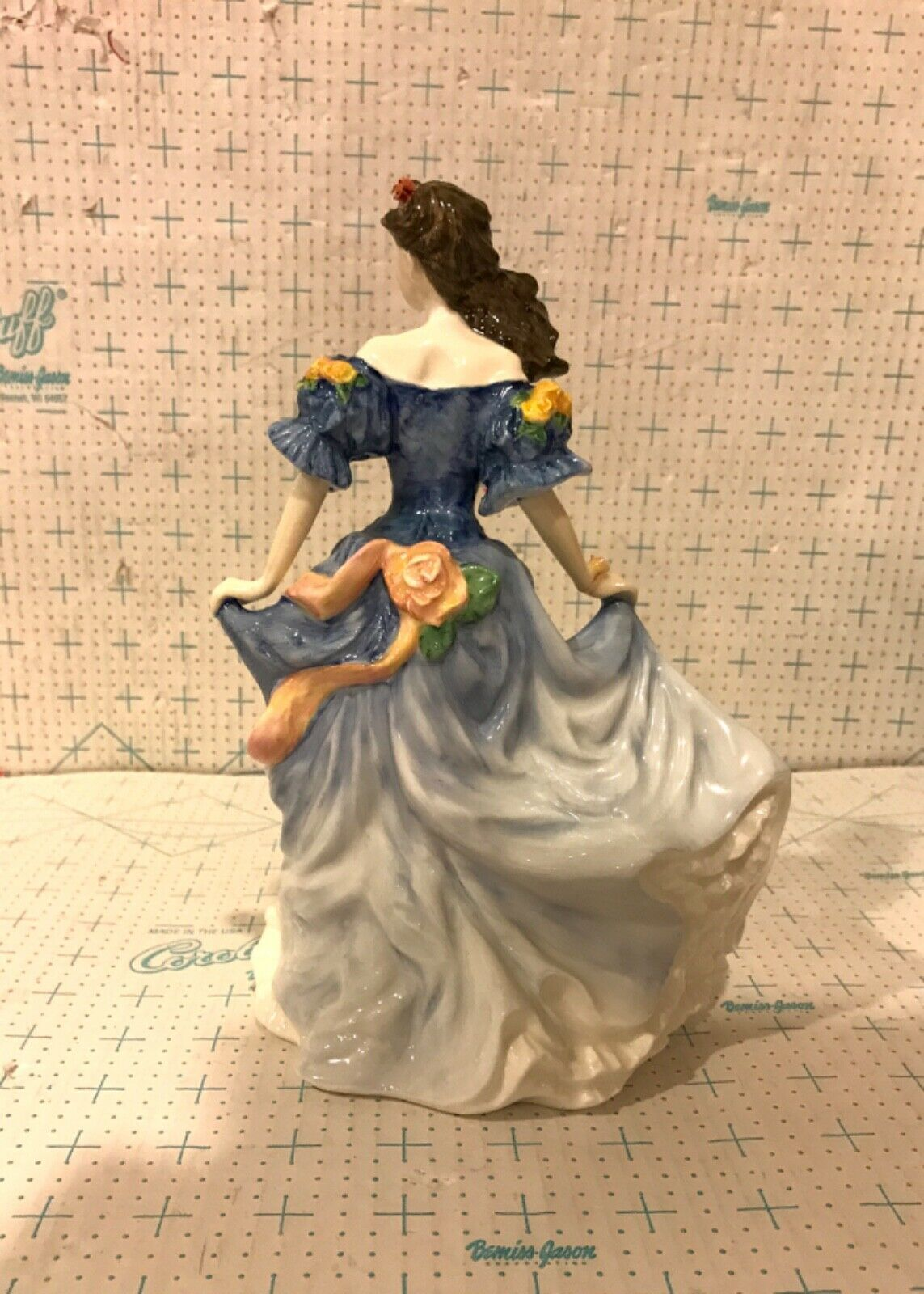 Royal Doulton Porcelain Figurine HN4041 Rebecca Figure of the Year 1998 image 2