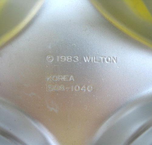 WILTON Jack-O-Lantern Mini Cake PAN HALLOWEEN Pumpkins 1983 Bakeware Trick Treat