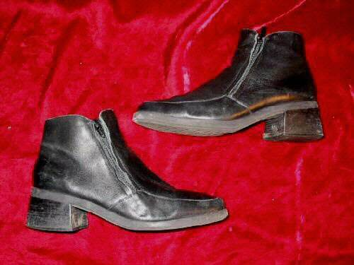 Apostrophe Black Leather Square Toes Ankle Boots Shoes 7.5