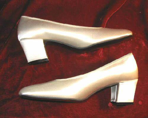 NEW Highlights Dyeable White Satin Shoes Pumps Heels 7