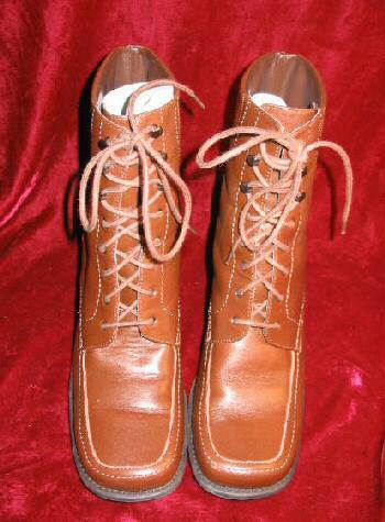 Newport News Brown Leather Boots Shoes 7.5 Square Toe