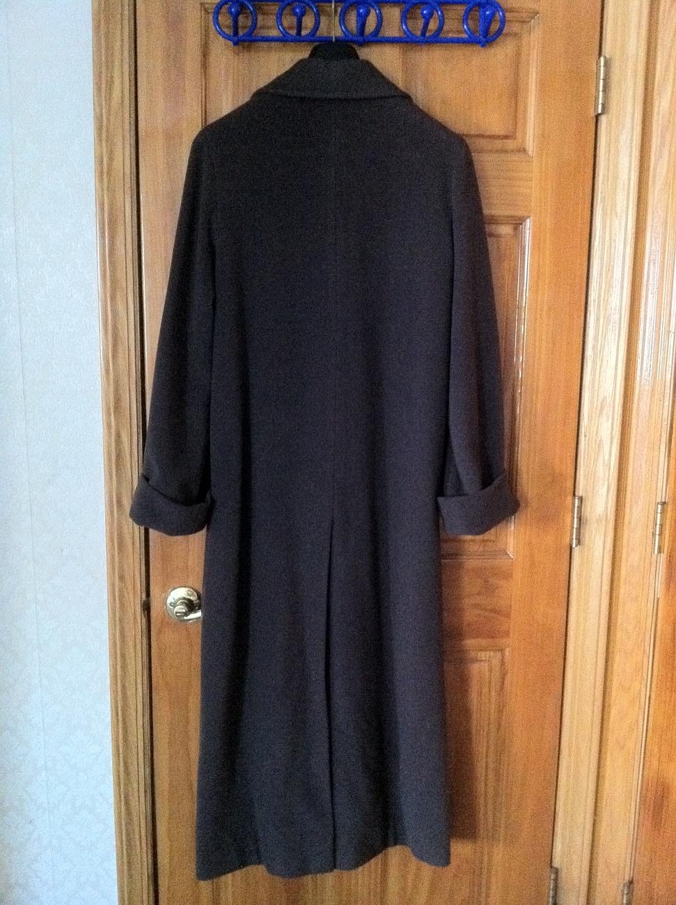 Italian Classic Margon Design Green Long Coat Wool size 42 / 12 / L almost new