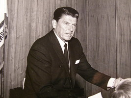 """RONALD REGAN"" AUTOGRAPHED 8 X 10 B & W PHOTO (1684) - $999.99"