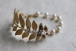 Pearl leaf Bracelet, Pearl Wedding Bracelet, Leaf Bracelet - $42.00