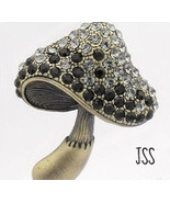 Jss_black_mushroom_1_thumbtall