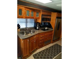 2005 Fleetwood PACE ARROW 37C For Sale in Carlsbad, California 92010 image 7