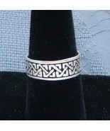 HANDSOME SOLID STERLING SILVER CELTIC WEAVE KNOT BAND RING SIZE 8.5 AWES... - $19.95