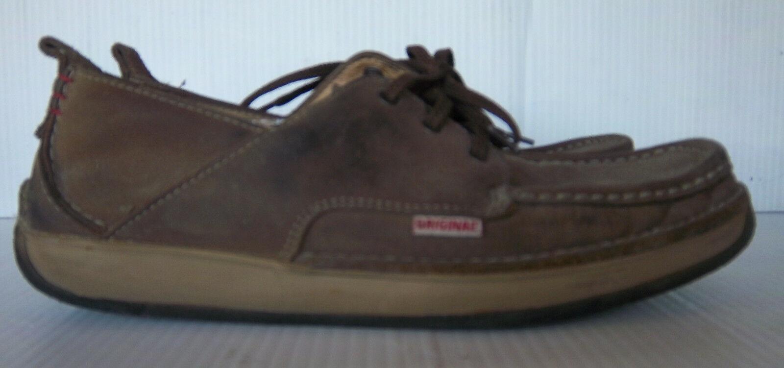 CLARKS - Men's Originals Brown Leather Lace up Boat Shoes -- Size 8M