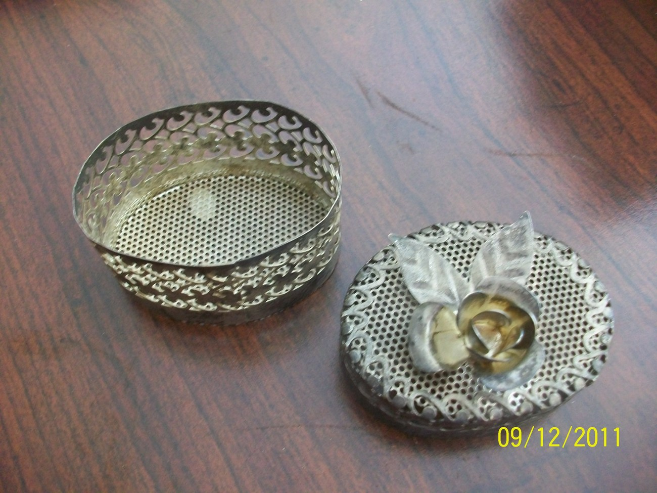 Vintage ANTIQUE 19c CENTURY Chinese IRON JEWELRY BOX with a