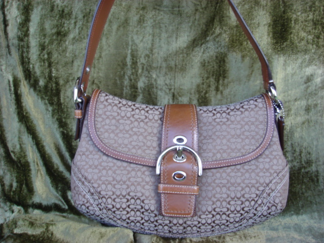 Coach Soho Mini Signature Flap F12309 $300++